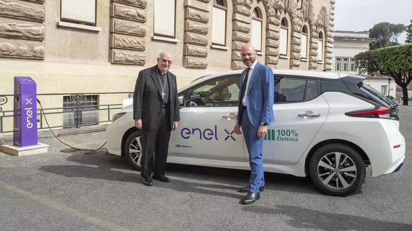 Masini electrice pentru Statul Papal. Enel X a instalat primele 12 puncte de incarcare in Vatican