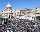 Peste 800.000 de credinciosi au participat la canonizarea papilor Ioan Paul al II-lea si Ioan al XXIII-lea