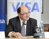 Tranzactiile cu carduri Visa la comercianti au crescut de sapte ori mai rapid decat retragerile de numerar in 2013