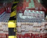 Peste jumatate de milion de pachete de tigari, confiscate de Garda de Coasta