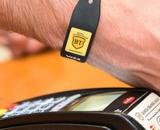 Banca Transilvania a lansat bratara pentru plati contactless