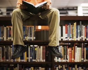 Citirea unui roman stimuleaza durabil activitatea cerebrala