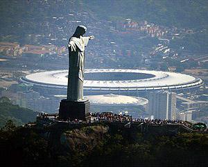 Dronele vor supraveghea stadioanele in Brazilia
