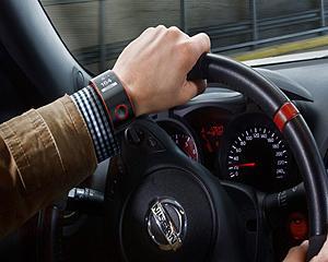 Cu ceasul inteligent Nismo, Nissan conecteaza soferul cu masina