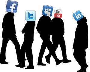 """Pentru tineri, Facebook este """"mort si ingropat"""""""