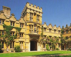Codul vestimentar de la Oxford este antidiscriminare