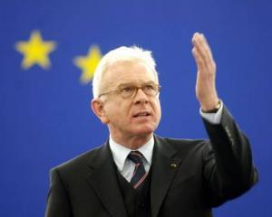Hans-Gert Pottering: Aderarea Romaniei la UE a fost prematura