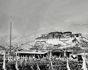 10 martie 1959: incepe revolta tibetanilor impotriva ocupatiei comuniste