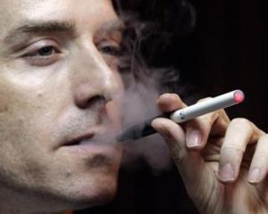 Philip Morris a dat in judecata o companie de tigari electronice