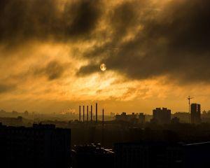 Greenpeace Romania: majoritatea termocentralelor pe carbune functioneaza ilegal