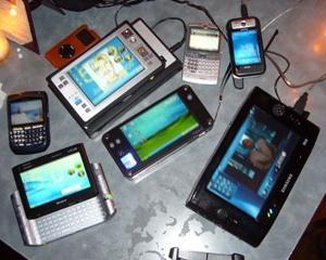 Consumatorii vor cheltui 2,1 trilioane de dolari pe produse si servicii tehnologice in 2012