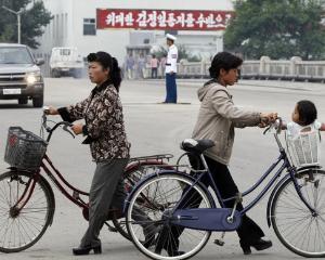 Oficial, nord-coreencele au primit dreptul de a circula cu bicicleta