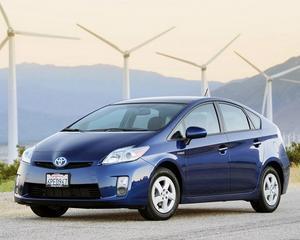 Toyota a vandut un milion de masini hibrid Prius in SUA