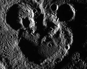 NASA a captat silueta lui Mickey Mouse pe suprafata planetei Mercur