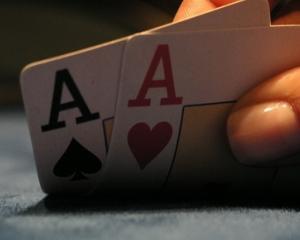 Pokerul, de la joc de noroc la sport