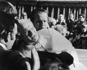13 mai 1981: Papa Ioan Paul al II-lea este impuscat