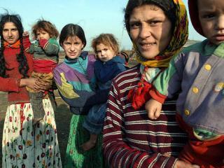 Presedintele Basescu: Parintii care nu isi trimit copiii la scoala nu ar trebui sa mai primeasca alocatii!