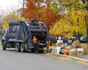 Depozitarea unei tone de gunoi in Romania, mai ieftina decat in Germania