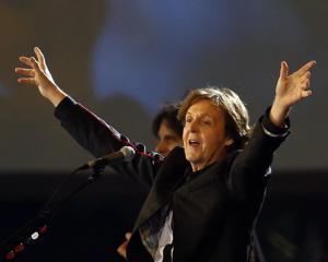 Onorariul lui Paul McCartney de la deschiderea Jocurilor Olimpice...