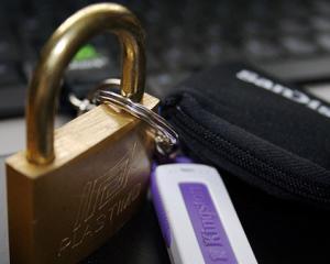 Kingston: Top 8 recomandari pentru securitatea datelor mobile in companii