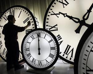 Bate ceas de restaurare la Muzeul Ceasului din Ploiesti