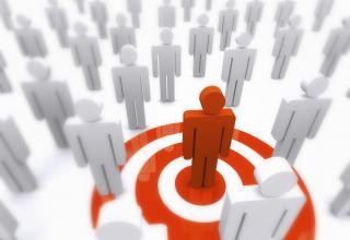 Studiu: Utilizatorii de internet sunt cel mai atrasi de voluntariat