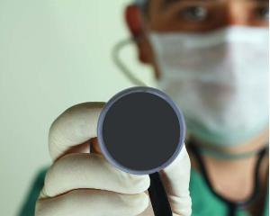 Medicii spanioli protesteaza: vor sa le acorde ingrijiri imigrantilor