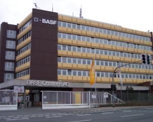 BASF ar putea deschide o fabrica de componente auto in ROMANIA