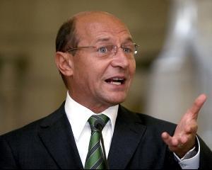 Basescu: Am solicitat SRI sa destructureze gruparile de crima organizata