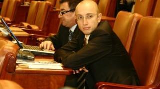 Iulian Urban, senator PDL: Electricianul TVR care s-a aruncat in gol ii ajuta doar pe... mogulii securisti