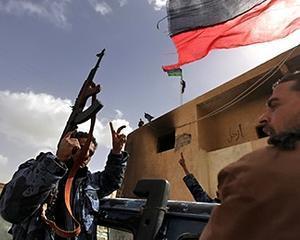 Trei ofiteri ai marinei olandeze au fost retinuti de autoritatile libiene
