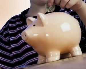 Activele fondurilor de pensii facultative valoreaza cu 35,93 procente mai mult