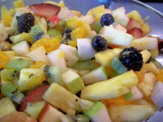 Capitanul Gurmand va recomanda: Salata de fructe - varianta de iarna
