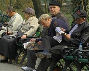 A fost adoptata Ordonanta prin care pensionarii cu venituri mai mari de 740 de lei platesc asigurari sociale
