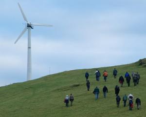 Romania ramane in topul celor mai atractive 15 tari din lume privind investitiile in energie regenerabila