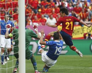 Nationala contra multi-nationala: noul derby economic al fotbalului