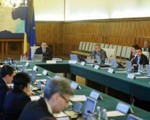Guvernul modifica legea achizitiilor publice, pastrand pragul de 15.000 de euro