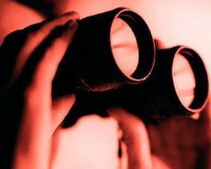 ANALIZA: Cum te spioneaza companiile si magazinele
