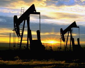 Minirepetitie cu costume a dramei ultimei picaturi de petrol