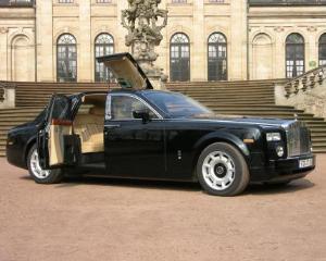 Nu mai ai incredere in aur si actiuni? Investeste in masini de lux!