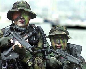 Salariul unui luptator SEAL: L-ai ucide pe unul ca Bin Laden pentru 4.500 dolari pe luna?