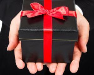 5 lucruri de care trebuie sa tii seama, atunci cand oferi cadouri angajatilor tai