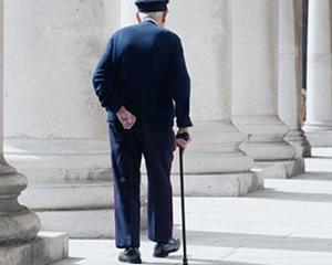 Numarul pensionarilor s-a redus cu peste 100.000 in 2011