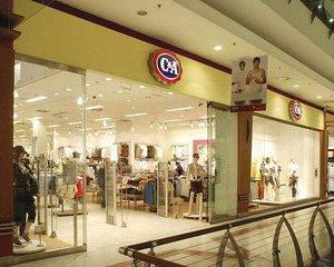 C&A se bate-n deschideri cu H&M