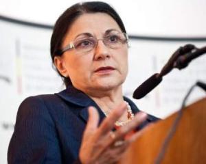 De ce vrea Ecaterina Andronescu sa schimbe Legea educatiei