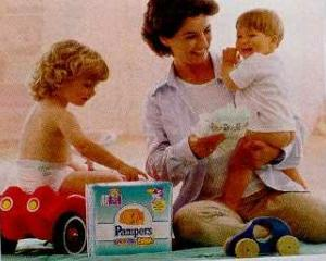 eMAG isi extinde oferta: Va comercializa scutece Pampers