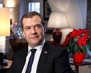 Medvedev: Deciziile importante de business trebuie luate de catre profesionisti, nu de catre functionari publici