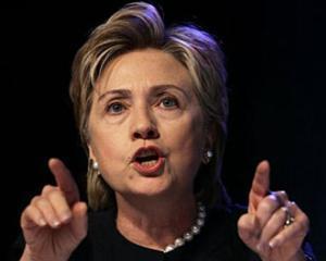 Clinton: Cei care restrictioneaza internetul o fac pe propriul risc