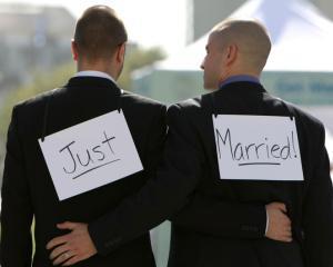 Referendum: Slovenii refuza sa acorde drepturi sporite cuplurilor de acelasi sex