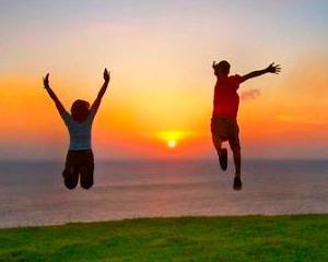 10 modalitati prin care poti deveni mai fericit